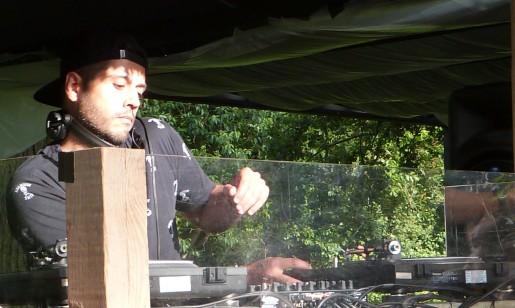 DJ Tomska au brunch électronique du Château d'Apigné