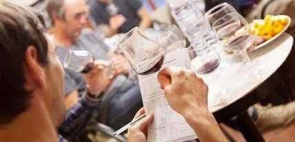 Atelier dégustation de vins à la cave des Tuileries