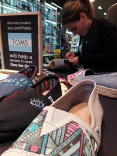style-your-sole-toms